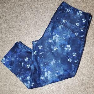MPG Blue Floral Workout Capris Size Med.